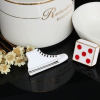2 Pcs/set Creative Dice Canvas Shoe Brooch Button Pin Backpack Denim Jacket Pins Badge Funny Jewelry Women Fashion for Kids Boys