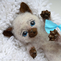 Needle felted little siamese kitten (for Marlene)