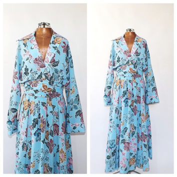 Vintage 1960's 70's Hostess Dress Blue Floral Shirt Dress Size Small 1970s Ethnic Print Sundress Bohemian Exotic Print 1940s Style Dress