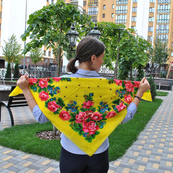 Vintage ukrainian shawl Russian shawl Yellow scarf Piano shawl Made in USSR Yellow shawl with flowers Vintage shawl Babushka scarf Scarf