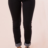 Classic City Skinnies in Black