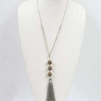 dainty beads & tassel necklace - silver/grey