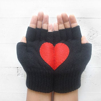 VALENTINE'S DAY Gift, Heart Gloves, Black Gloves, Red Heart, Special Gift, Valentine's Gift, Gift For Her, Female Gift, Romantic Gift, Heart