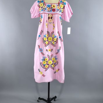 Pastel Pink Vintage Mexican Dress / Oaxacan Embroidered Caftan