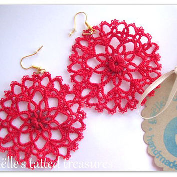 Lace tatted earrings 'Heartful', hand tatted original Gaëlle's design big round earrings red, hand made in Italy, frivolité earrings