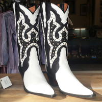 Beautiful Black and white leather vintage cowgirl boots, fair trade, rodeo, hippie, western boots. BRAND NEW. size 8