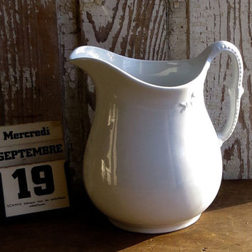 Vintage Ironstone Pitcher, White Iron Stone, Meakin England, Classic Shape, Serving Jug, Water, Juice, Milk, Farmhouse Decor