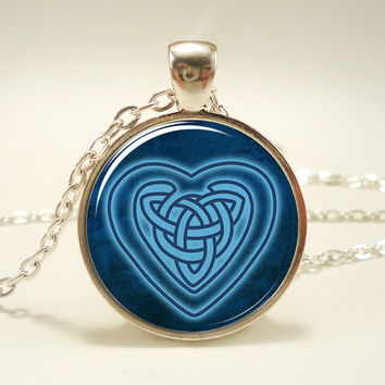 Celtic Heart Necklace, Celtic Knot Jewelry (0925S1IN)