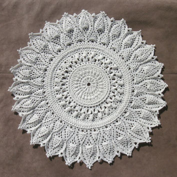 White crochet doily 13 inch Round crochet lace doily Textured doily Crochet home decor Table topper Pineapple doily Gift idea Centrepiece