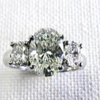 1.80ct F-SI1 Oval Diamonds Engagement Ring 18kt  JEWELFORME BLUE GIA certified