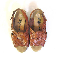 STOREWIDE SALE...80s brown leather woven sandals. leather huaraches shoes. women's size 7W