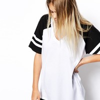 r Block Baseball Top with V
