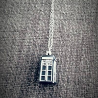 3D Doctor Who TARDIS Necklace
