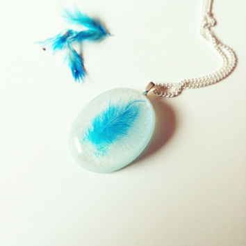 Real Feather Resin Necklace Delicate Necklace Resin Jewelry Nature Inspired Necklace Resin Jewellery Nautical Necklace Romantic Necklace