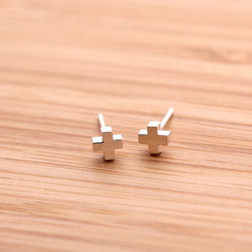 sterling silver tiny CROSS stud earrings, 2 colors | girlsluv.it - handmade jewelry collection, ETSY, Artfire, Zibbet, Earrings, Necklace