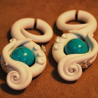 "Detailed Romancing the Stone ""Fakers"" Faux Gauged Earrings"