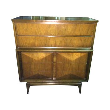 Pre-owned Diamond Sculpted Front Highboy Dresser