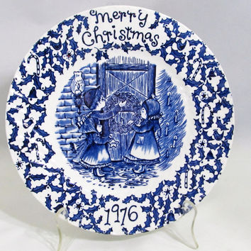 1976 Christmas Plate Blue and White Royal Crownford