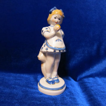 Vintage USSR Porcelain Figurine girl with apple Gorodnitsa soviet 1960 rare