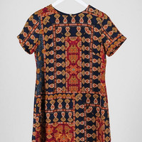 Short Sleeve Tapestry Printed Shift Dress - Red/Multi