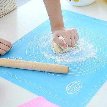Kitchen Silicone Baking Cake Dough Fondant Rolling Kneading Mat Baking Mat with Scale Cooking Plate Table Grill Pad Tools 2017in