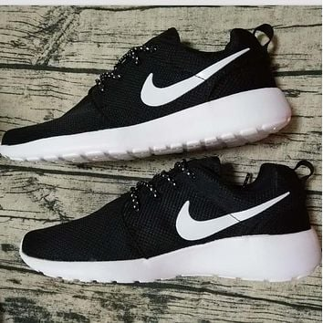 """NIKE"" Trending Fashion Casual Sports Shoes Contrast Black white shoe tongue hook"