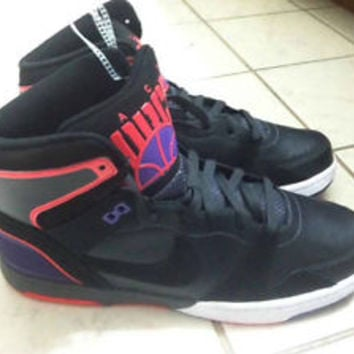 NEW Nike Mach Force Mid. Size 11. (525312-001) Never Worn & No Defects