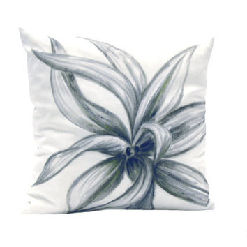 Cushion Cover. Black & white. squared. Drawing. Garden Plant. Decor.