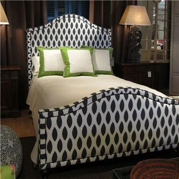 Cassie Midnight Queen Bed