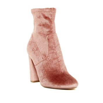 Steve Madden Women's Blush Velvet Echo Booties Size 8-9