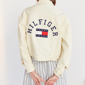 Tommy Jeans '90s Girlfriend Trucker Jacket | Urban Outfitters