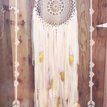 Light Pink, Cream, & Gold Glitter Feather Crochet Doily Shabby Chic Boho Gypsy Dreamcatcher // Baby Nursery Decor // Wedding Decor