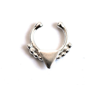 Tamil Septum ON SALE