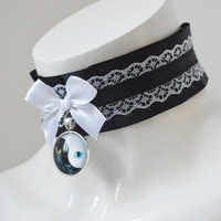 Kitten play collar - Two faced kitty - pleated collar necklace - kittenplay petplay cgl ddlg black and white costume cosplay lolita kawaii