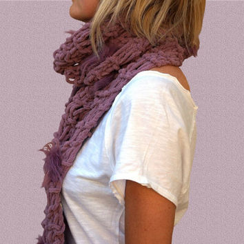 MAUVE PINK SCARF super soft and light, chunky, with pom-pons, knit handmade in Italy