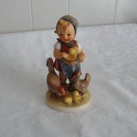 1948 FEEDING TIME Vintage Hummel Figurine 199/1 - TMK1/Full Bee/Pristine Vintage Condition/Collectible Hummel Figurine