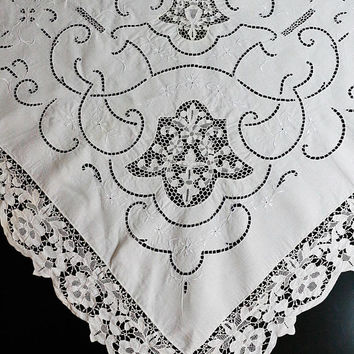 White Lace Tablecloth, Point de Venise Lace Inserts Edging, Floral White Work, Reticella Scroll Motifs, Weddings, 1920s Antique Linens
