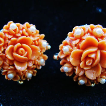 Vintage 1940s Coral Celluloid Carved  Rose Flower Pearl Earrings Trendy Fashion Jewelry