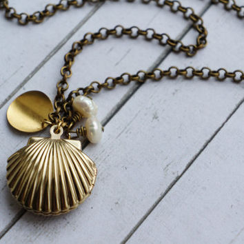 Seashell Pearl Locket. Engeavablr Ariel Necklace Sea Shell Locket with Pearl. Engraved Initials Locket