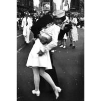 Kissing On VJ Day (War's End Kiss) Art Print Poster - 24x36