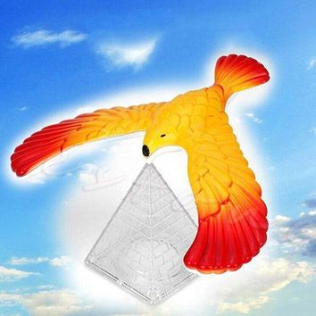 CREYONV 2017 new 1pc magic balancing bird science desk toy w base novelty eagle fun learn gag gift