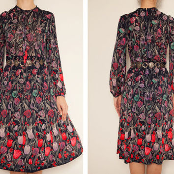 1970's japanese floral vintage dress,Tulip dress,Floral dress,Long sleeve dress,Tea dress, Sundress, autumn winter dress,art deco dress