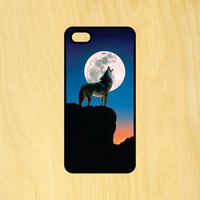 Wolf Howling at the Moon Phone Case iPhone 4 / 4s / 5 / 5s / 5c /6 / 6s /6+ Apple Samsung Galaxy S3 / S4 / S5 / S6