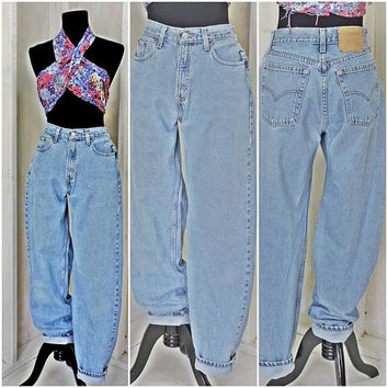 Vintage Levis 560 jeans / Loose fit tapered mom jeans  28 X 33 size 6 / 7 LEVI'S 100% cotton high waisted light wash peg leg Levi jeans