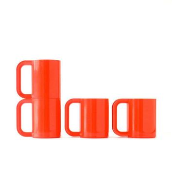 Quadruple Red Heller Mugs Designed By Massimo Vignelli