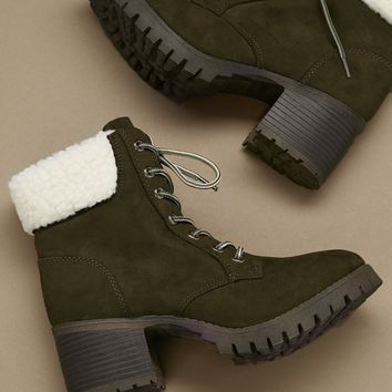 Lace Up Shearling Collar Lug Sole Mountain Boots