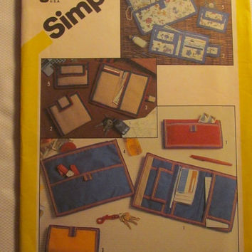 SALE Uncut 1980's Simplicity Sewing Pattern, 6230! One Size/Small Accessories/Wallets/Note Pad Holder/Cosmetic Bags/Change Purses/Pouch