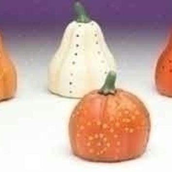 12 Halloween Decorations - Pumpkin