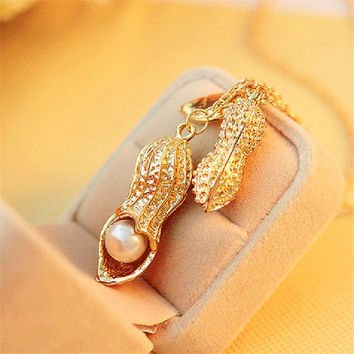 Golden Alloy Simulated Pearl Peanut Pea Pods Leaf Exquisite Long Chain Necklace