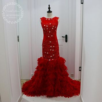 Sexy Backless African Red Mermaid Feather Prom Dresses for Girls Gold Crystal Appliques Lace Party Dress 2017 Robe de Soriee